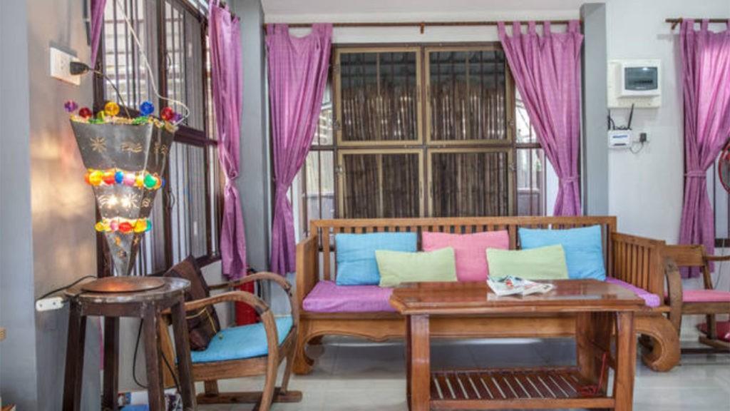 krabivillas villa aitheng living room